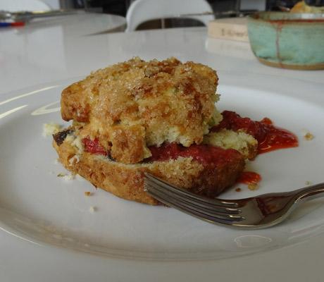 tristar-strawberry-jam-on-scone