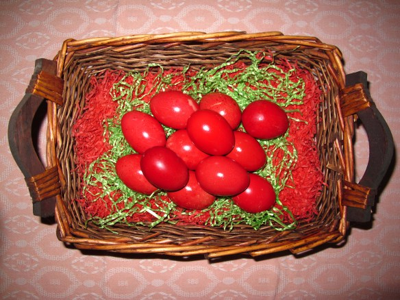 red-eggs-in-basket