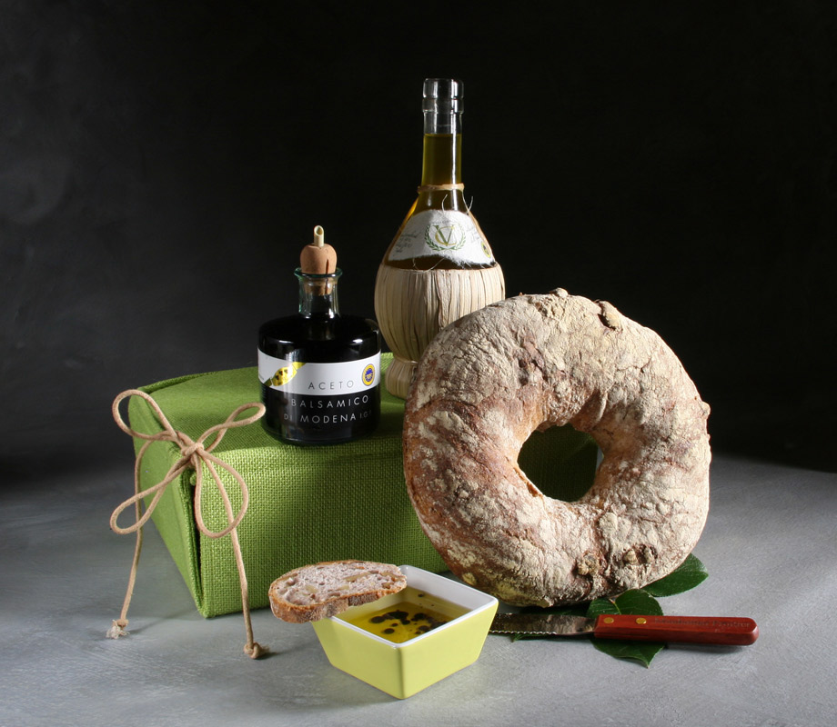 mediterranean hamper with extra virgin olive oil