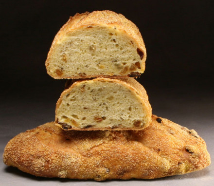 Amy' Semolina Raisin Fennel Loaf