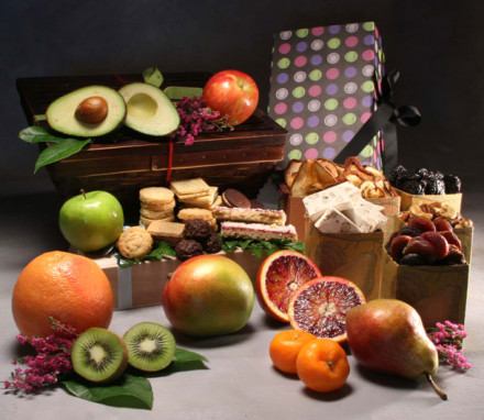 Christmas & Holiday Fruit Gift Baskets | Manhattan Fruitier