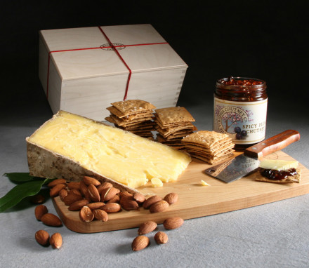 Shelburne Farms Clothbound Cheddar Box