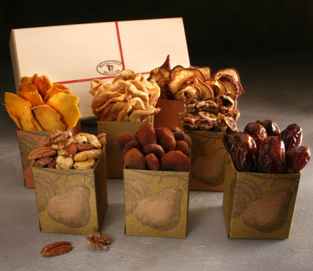 Organic Dried Fruit and Nut Box (7 items)